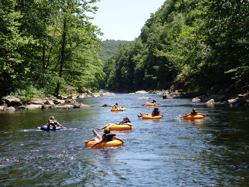 River Tubing In North Ga Www Ellijayrivercabins Com